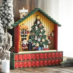 Weihnachtsbaum Adventskalender mit Weihnachtsmann